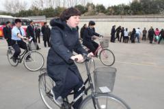 慢骑自行车_240x160.jpg